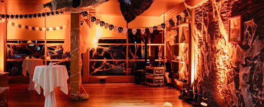 Special Theme Parties - Halloween Special Ambience